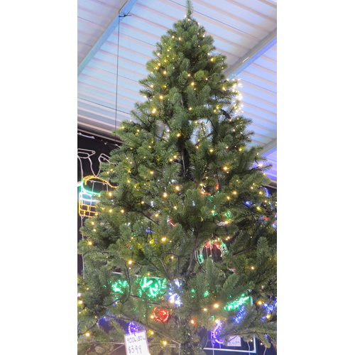 240cm Prelit Green Christmas Tree with 600 Bulbs